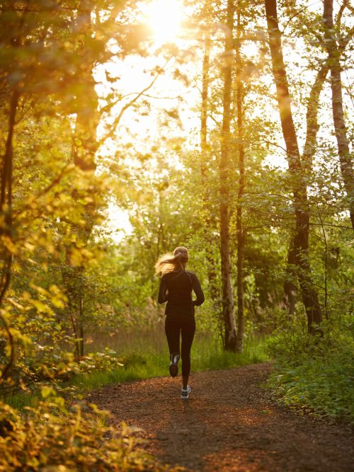 Läuferin am frühen Morgen