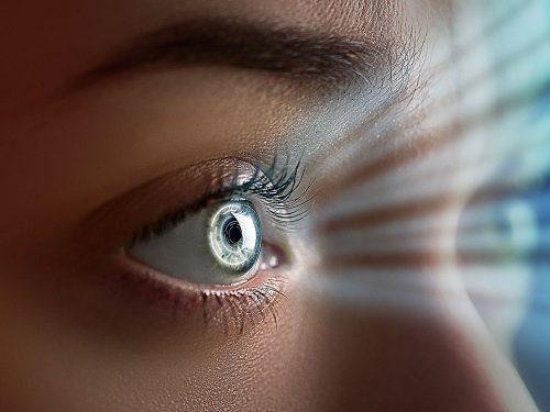 Lichtsammelkraft einer menschlichen Linse