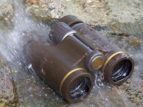 Strahlwasserdichte eines Fernglases