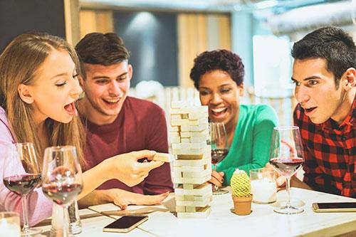 Brettspiel Spaß mit Freunden