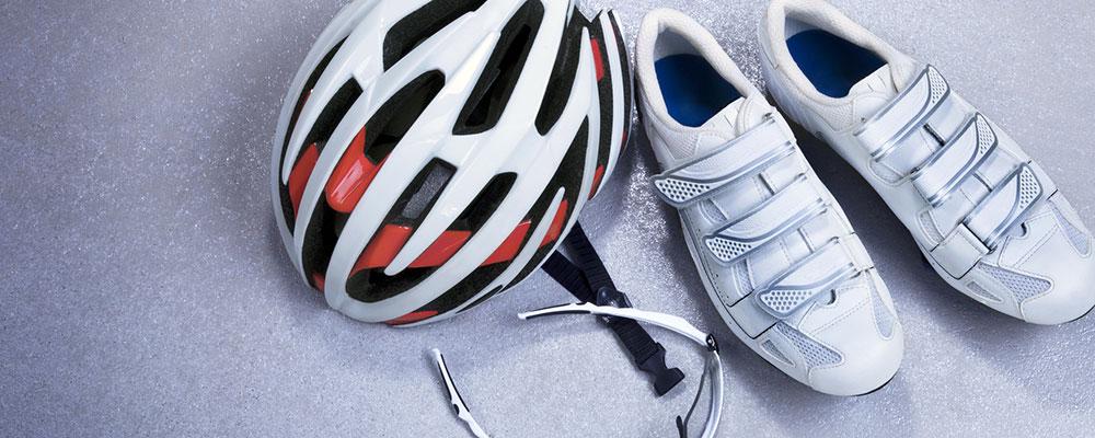 Der Helm darf bei keiner Rennrad-Tour fehlen!