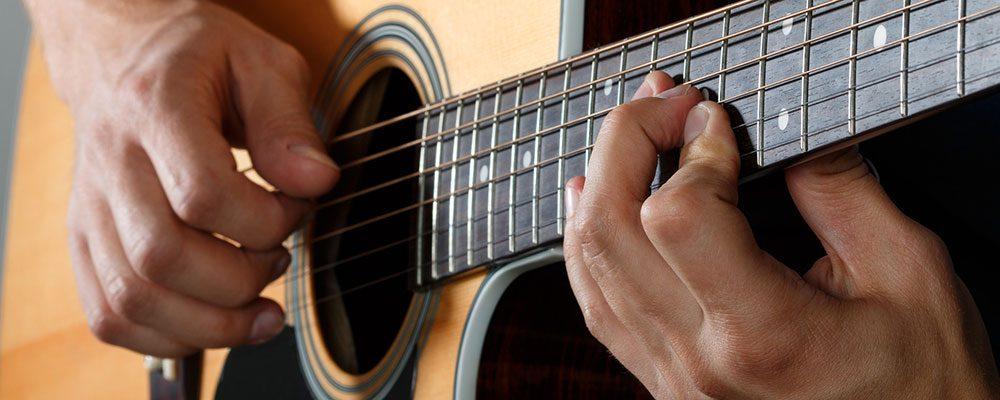 Bespielbarkeit bei Westerngitarre ist ein sehr wichtiger Faktor.